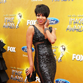 Wendy Raquel Robinson in 41st NAACP Image Awards - Arrivals