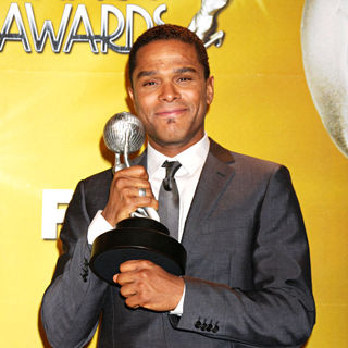 Maxwell in 41st NAACP Image Awards - Press Room