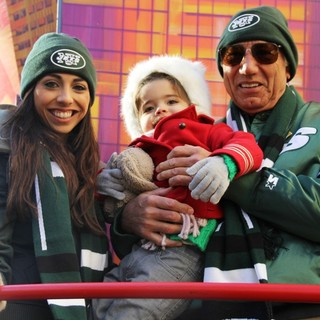 Jessica Namath, Jemma Namath, Joe Namath in 87th Macy's Thanksgiving Day Parade