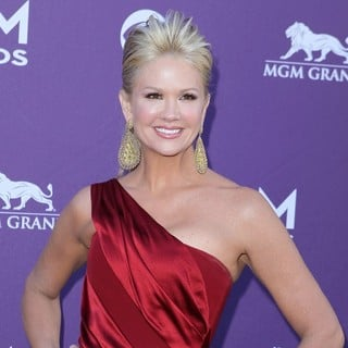 Nancy O'Dell in 2012 ACM Awards - Arrivals