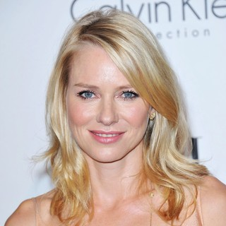 Naomi Watts in ELLE's 18th Annual Women in Hollywood Tribute - Red Carpet