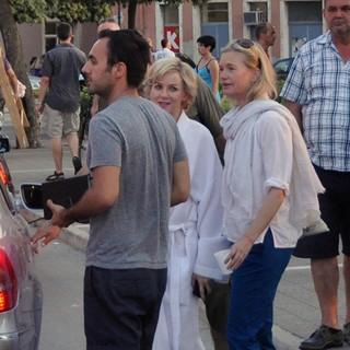 Naomi Watts in Filming Caught in Flight