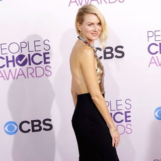 Naomi Watts in People's Choice Awards 2013 - Red Carpet Arrivals