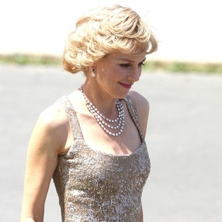 Naomi Watts - Naomi Watts Dressed as Princess Diana Shooting Caught in Flight