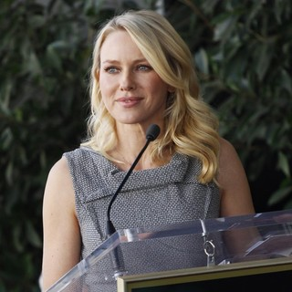 Naomi Watts in Simon Baker Is Honoured with A Star on The Hollywood Walk of Fame