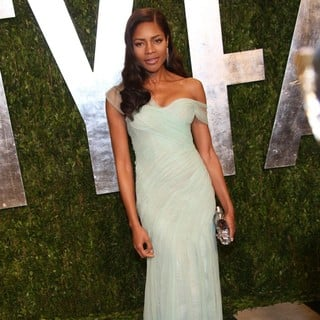 Naomie Harris in 2013 Vanity Fair Oscar Party - Arrivals
