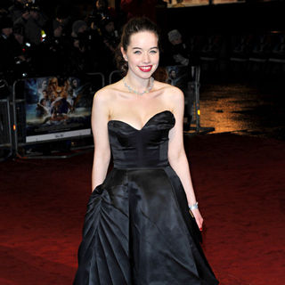 Anna Popplewell in Royal Film Performance 2010: The Chronicles of Narnia: The Voyage of the Dawn Treader - narnia_1_wenn3121257