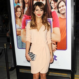 Nasim Pedrad in Los Angeles Premiere of The To Do List