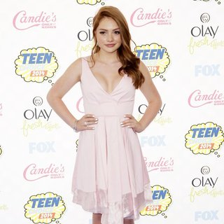 Natalie Alyn Lind in Teen Choice Awards 2014 - Arrivals