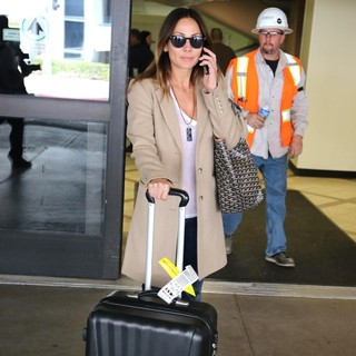 Natalie Imbruglia in Natalie Imbruglia Arrives with Luggage and A Goyard Tote at LAX Airport