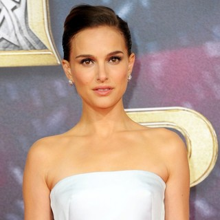 Natalie Portman in German Premiere of Thor: The Dark World