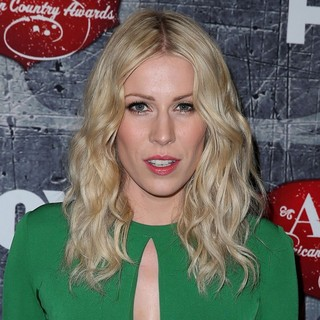 Natasha Bedingfield in 2012 American Country Awards - Arrivals