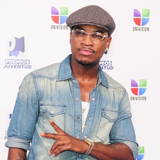 Ne-Yo in Univision's 8th Annual Premios Juventud Awards