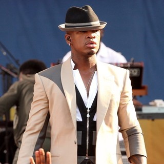 Ne-Yo in Ne-Yo Performs Live as Part of Good Morning America's Summer Concert Series