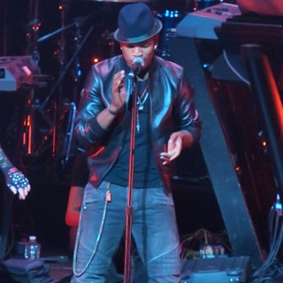 Ne-Yo - KIIS FM's Jingle Ball 2012 - Show
