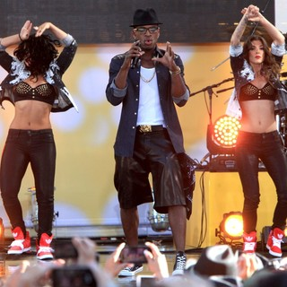 Ne-Yo - Ne-Yo Performs Live as Part of GMA's Summer Concert Series