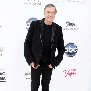 Neil Diamond in The 2011 Billboard Music Awards - Arrivals