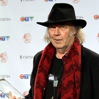 Neil Young in The 2011 JUNO Awards - Press Room - neil-young-2011-juno-awards-press-room-03