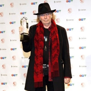 Neil Young in The 2011 JUNO Awards - Press Room - neil-young-2011-juno-awards-press-room-04