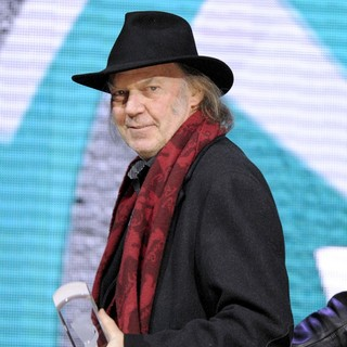 Neil Young in 2011 JUNO Awards - Show - neil-young-2011-juno-awards-show-04