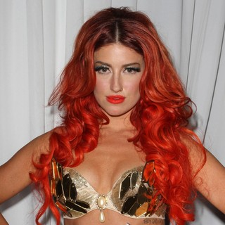 Neon Hitch in LOGO's 2012 NewNowNext Awards - Backstage - neon-hitch-2012-newnownext-awards-backstage-02