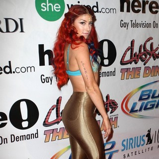Neon Hitch in Dinah Shore Club Skirt 2012 Palm Springs Day 2 - Red Carpet - neon-hitch-club-skirt-2012-palm-springs-day-2-04