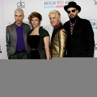 Neon Trees in The 40th Anniversary American Music Awards - Arrivals