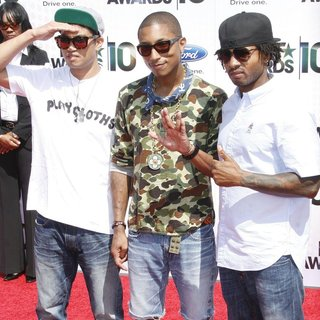 Chad Hugo, Pharrell Williams, Shay Haley, N.E.R.D in 2010 BET Awards