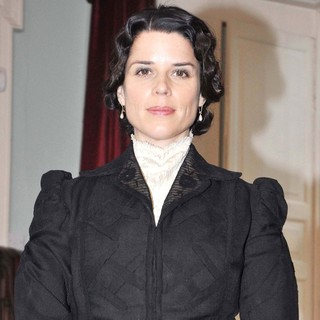 Neve Campbell in Photocall on The Set of The TV Series Titanic: Blood and Steel - neve-campbell-photocall-titanic-blood-and-steel-01
