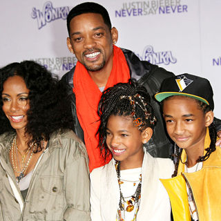 "Jada Pinkett Smith, Will Smith, Willow Smith, Jaden Smith in Los Angeles Premiere of ""Justin Bieber: Never Say Never"""