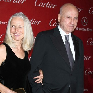 Suzanne Newlander, Alan Arkin in 24th Annual Palm Springs International Film Festival Awards Gala - Red Carpet