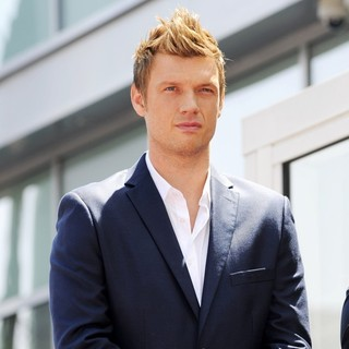 Nick Carter in Backstreet Boys Are Honoured with A Hollywood Star on The Hollywood Walk of Fame - nick-carter-backstreet-boys-walk-of-fame-01