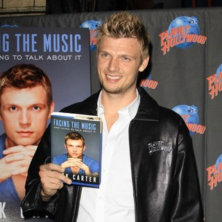 Nick Carter - Nick Carter Hand Print Ceremony Promoting 'Facing The Music and Living to Talk About It