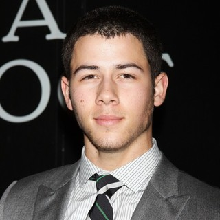 Jonas Brothers in The Opening Night of Cat on A Hot Tin Roof - Arrivals - nick-jonas-opening-night-cat-on-a-hot-tin-roof-01
