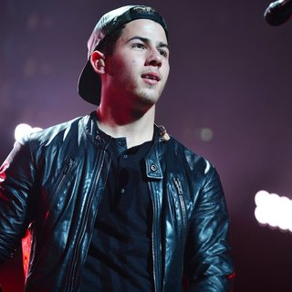Nick Jonas in Y100 Jingle Ball 2014 - Performances - nick-jonas-y100-jingle-ball-2014-performances-15