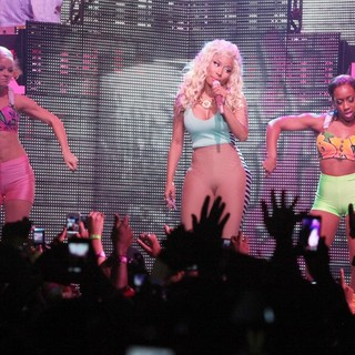 Nicki Minaj - Pepsi Presents Nicki Minaj's Pink Friday Tour