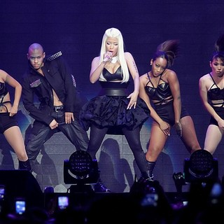 Nicki Minaj in Nicki Minaj Performing