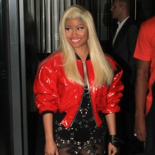 Nicki Minaj - Nicki Minaj Seen Leaving Her Hotel