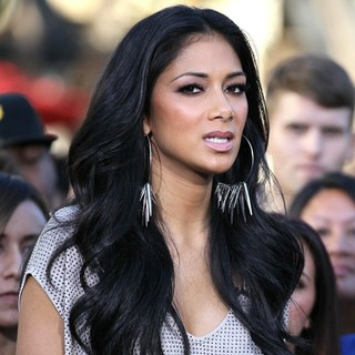 Nicole Scherzinger in Nicole Scherzinger Films An Appearance on The Entertainment News Show Extra