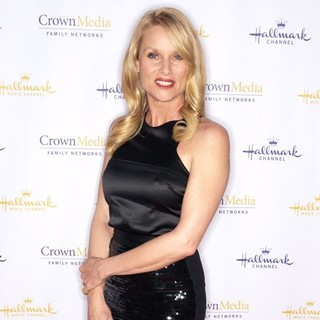 Nicollette Sheridan in Hallmark Channel's Winter 2012 TCA Press Tour Evening Gala - Arrivals