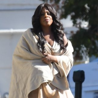 Niecy Nash-On Set Filming Scream Queens