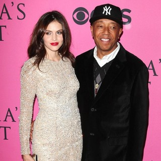 Hana Nitsche, Russell Simmons in The 2012 Victoria's Secret Fashion Show