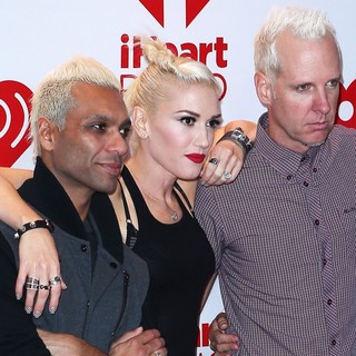 Tony Kanal, Gwen Stefani, Tom Dumont, No Doubt in 2012 iHeartRadio Music Festival - Day 1 - Arrivals