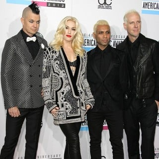 No Doubt in The 40th Anniversary American Music Awards - Arrivals