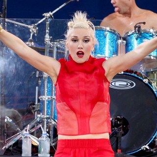Gwen Stefani, No Doubt in No Doubt Perform Live as Part of Good Morning America's Summer Concert Series