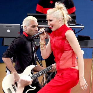 Tony Kanal, Gwen Stefani, No Doubt in No Doubt Perform Live as Part of Good Morning America's Summer Concert Series