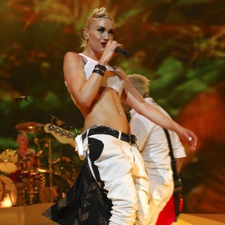 Adrian Young, Gwen Stefani, No Doubt in No Doubt Performing in Concert
