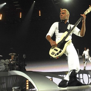 Adrian Young, Tony Kanal, No Doubt in No Doubt Performing in Concert