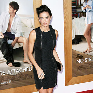 "Demi Moore in Los Angeles Premiere of ""No Strings Attached"""