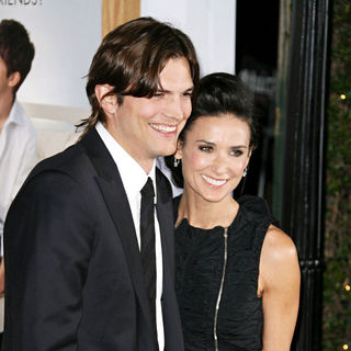 "Ashton Kutcher, Demi Moore in Los Angeles Premiere of ""No Strings Attached"""